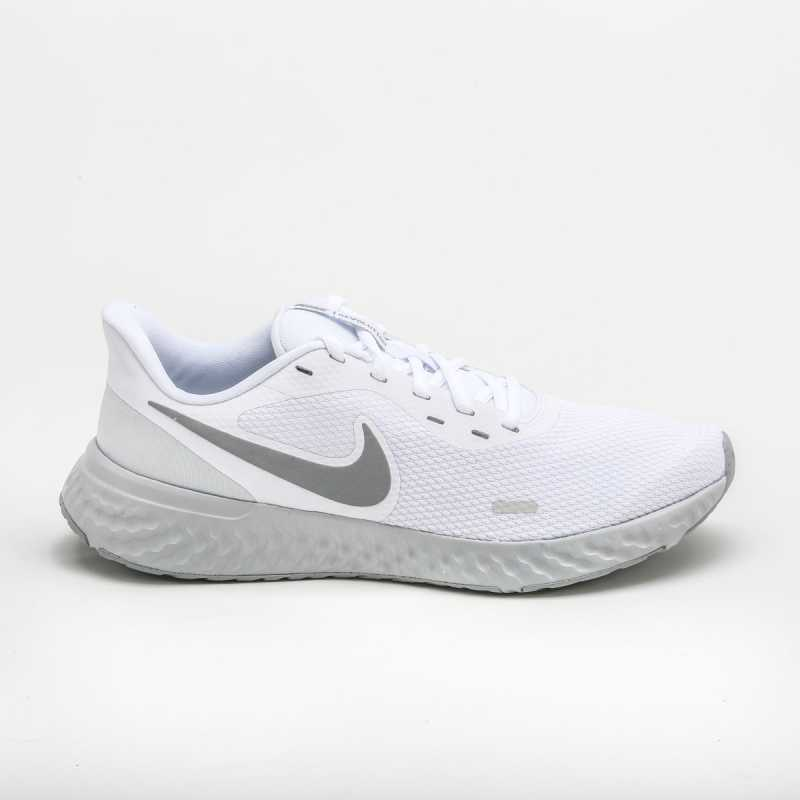 Sneakers Nike Revolution 5 Bianco/Grigio online - Sneakers - prezzo: 55,00 € product_reduction_percent